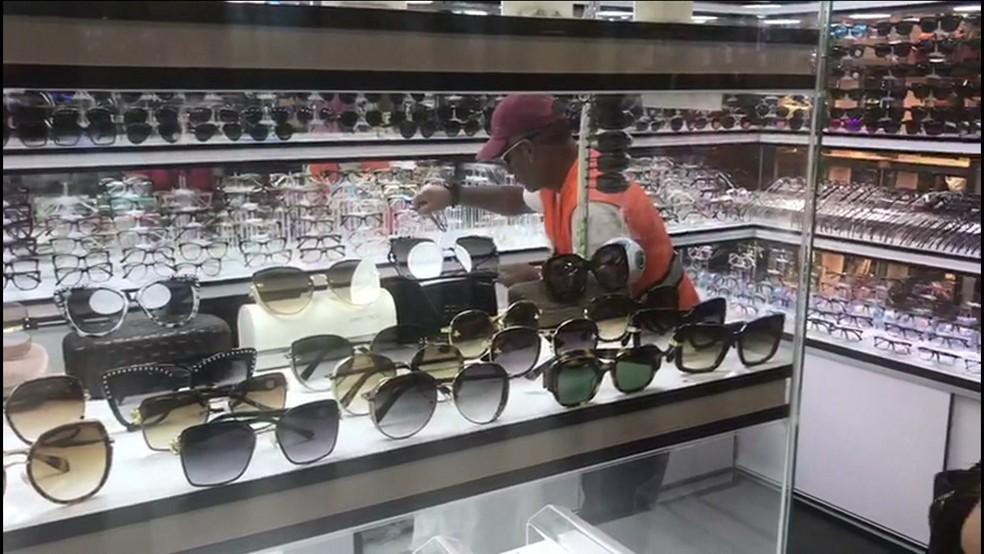 46cd6df7b Foto: Reprodução/ Produtos vendidos no Shopping Veneza, na Av. Paulista. —  Foto: Reprodução/