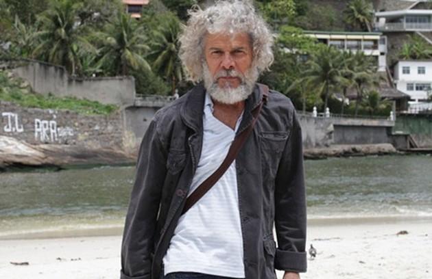 Marido de Griselda, Pereirinha (José Mayer) era um pescador que foi dado como morto há muitos anos. Ele reapareceu quando soube que ela tinha ficado rica (Foto: TV Globo)