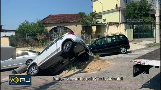 Carro é engolido por cratera na Zona Oeste do Rio