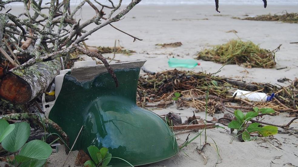 Privada também foi encontrada na areia em uma das praias (Foto: Divulgação)