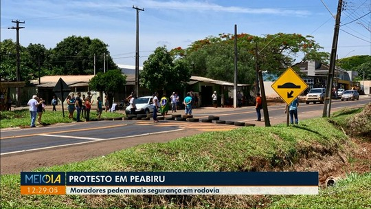 Em protesto, moradores de Peabiru pedem mais segurança em rodovia