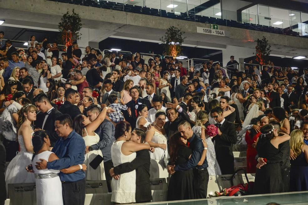 Inscrições estão abertas para casamento civil coletivo na Arena da Baixada, em Curitiba — Foto: Divulgação