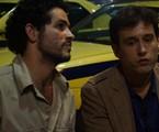 Vinícius de Oliveira e Guilherme Dellorto em cena de 'Santo forte' | Reprodução