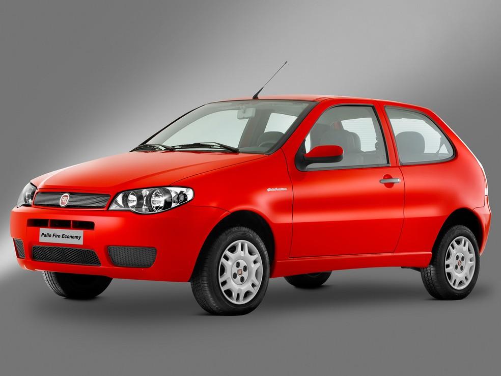 Fiat Palio já teve inúmeros facelifts e duas gerações. mas a primeira foi mais vendida — Foto: Divulgação