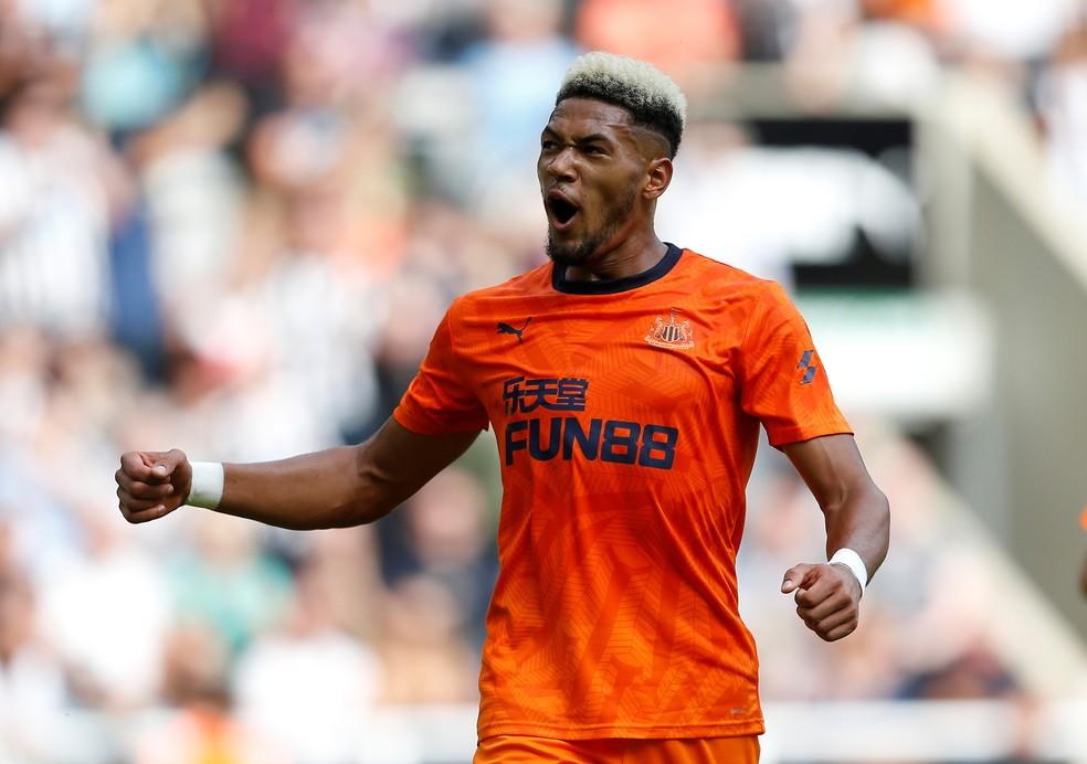 Joelinton comemora gol pelo Newcastle — Foto: Reuters