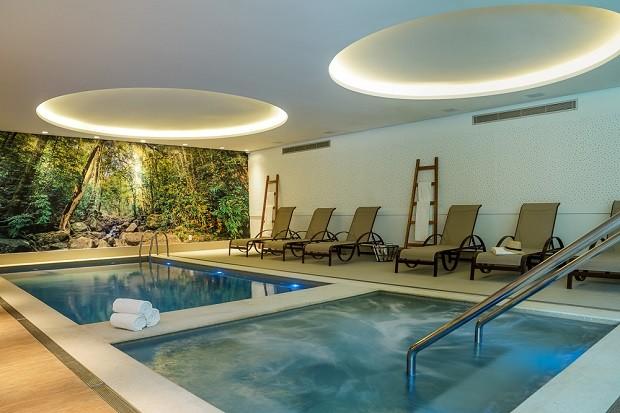 Área da piscina coberta  (Foto: divulgação)