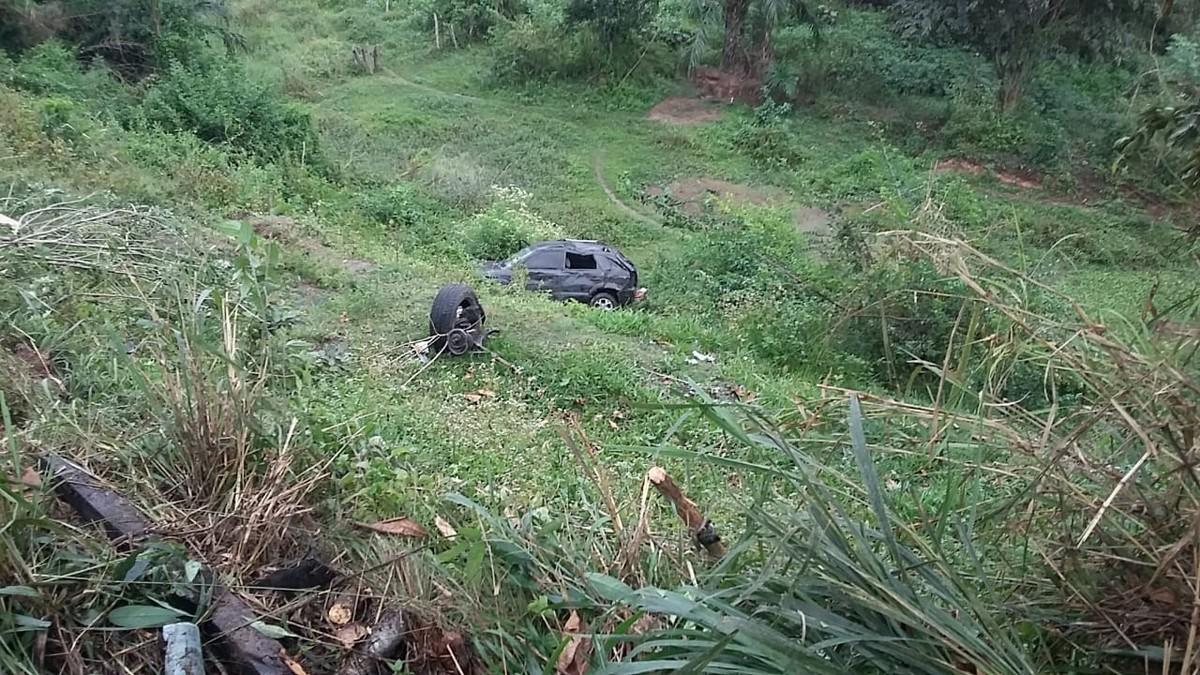 Resultado de imagem para Cantor de banda de forró Paraibana sofre grave acidente na Bahia.