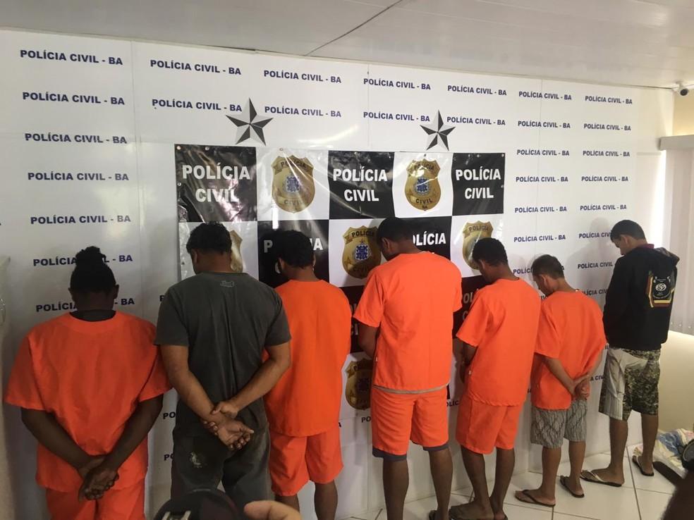 Operação ocorreu nesta segunda-feira (9), em Eunápolis.  — Foto: Taísa Moura / TV Santa Cruz