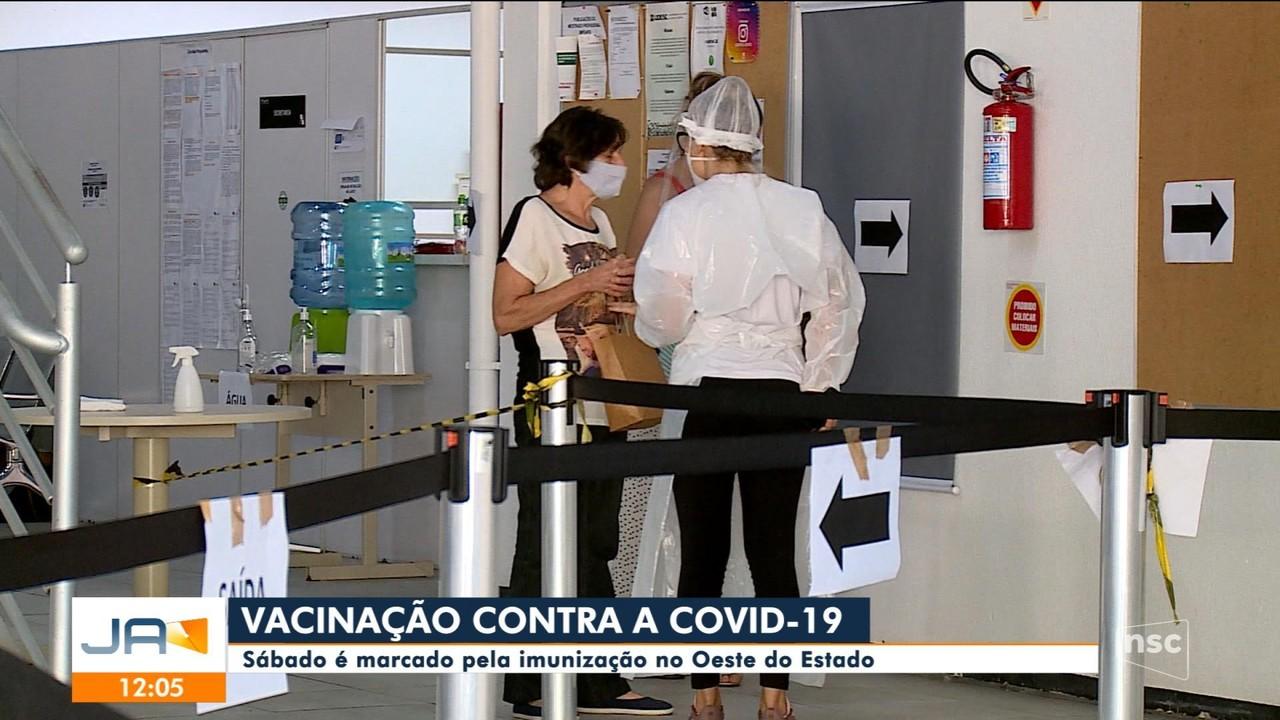 Sábado é marcado pela imunização contra a Covid-19 no Oeste de SC