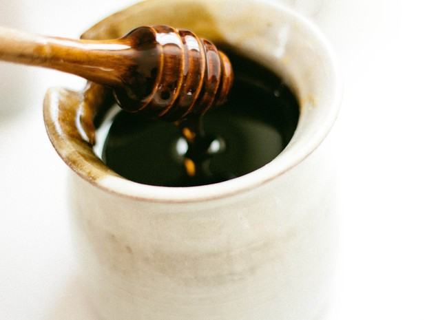 Mel, lúpulo e outros remédios naturais que combatem bactérias