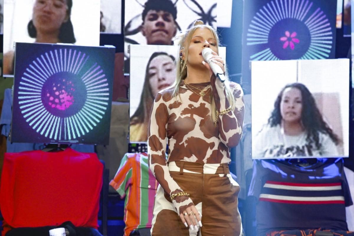 Luísa Sonza relembra início da carreira: 'Comecei a cantar em banda de casamento' | Altas Horas | Gshow