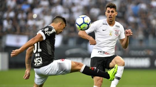 """Cereto: """"O futebol do Corinthians é de time rebaixado. Não tem padrão tático"""""""