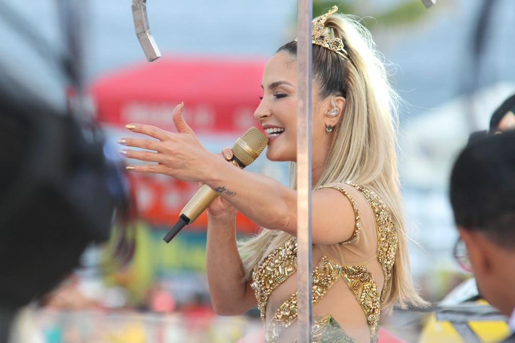 Claudia Leiite falou sobre ausência de Pitbull em seu desfile em Salvador, nesta quinta-feira. (Foto: Tiago Caldas /Ag Haack)