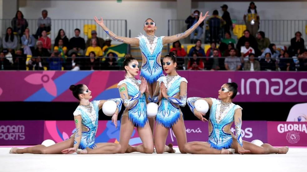 Conjunto da ginástica rítmica do Brasil no Pan de Lima — Foto: Ricardo Bufolin / Panamerica Press / CBG