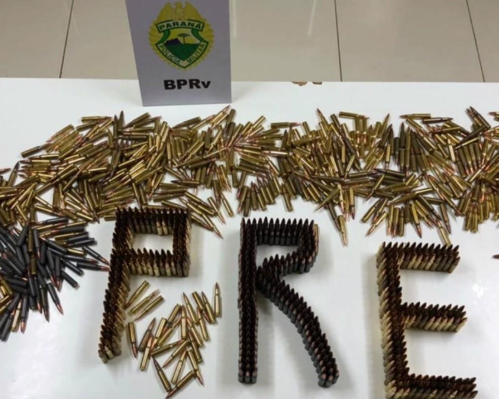 1,4 mil cápsulas de fuzil foram apreendidas em Rolândia (Foto: Reprodução/RPC)