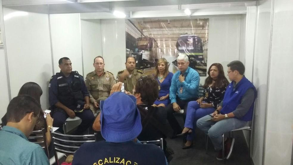 Representantes das polícias, bombeiros e CBTU se reuniram nesta quarta-feira (7), no Recife (Foto: Cláudia Ferreira/G1)