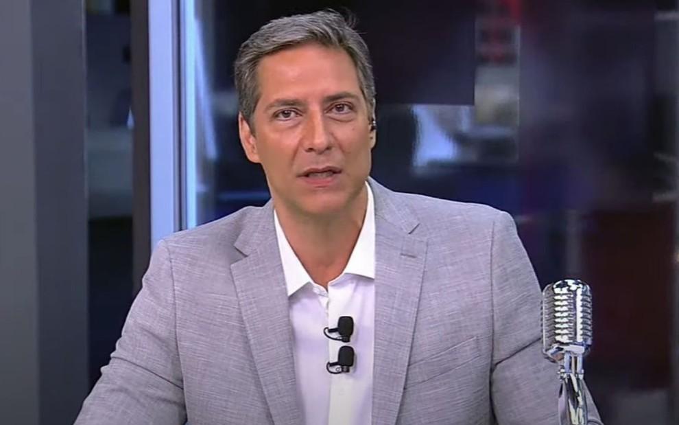 O apresentador Luís Ernesto Lacombe