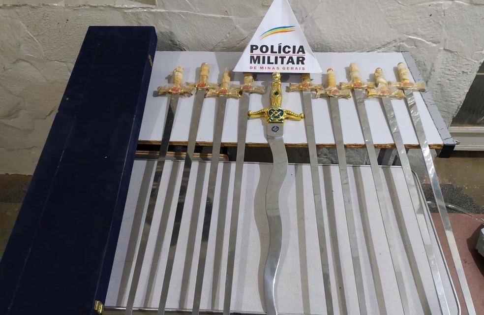 Armas apreendidias pela PM — Foto: Polícia Militar / Divulgação