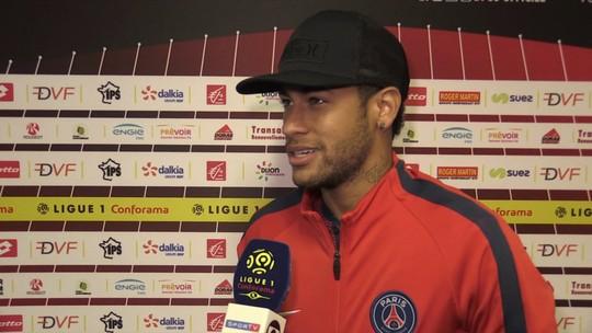 Em campo, Neymar não vê o título de Medina na França, mas parabeniza o amigo
