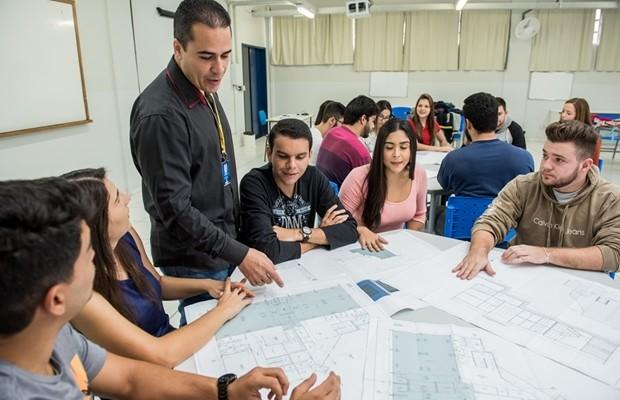 Alta do mercado de Engenharia Civil: o momento de se qualificar é agora