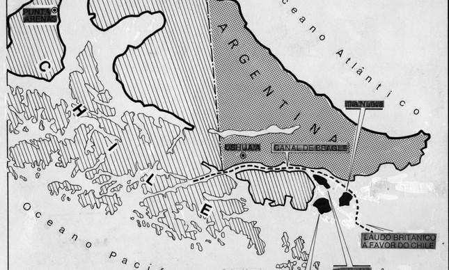 Mapa horizontal mostra a localização das três ilhas disputadas por Chile e Argentina