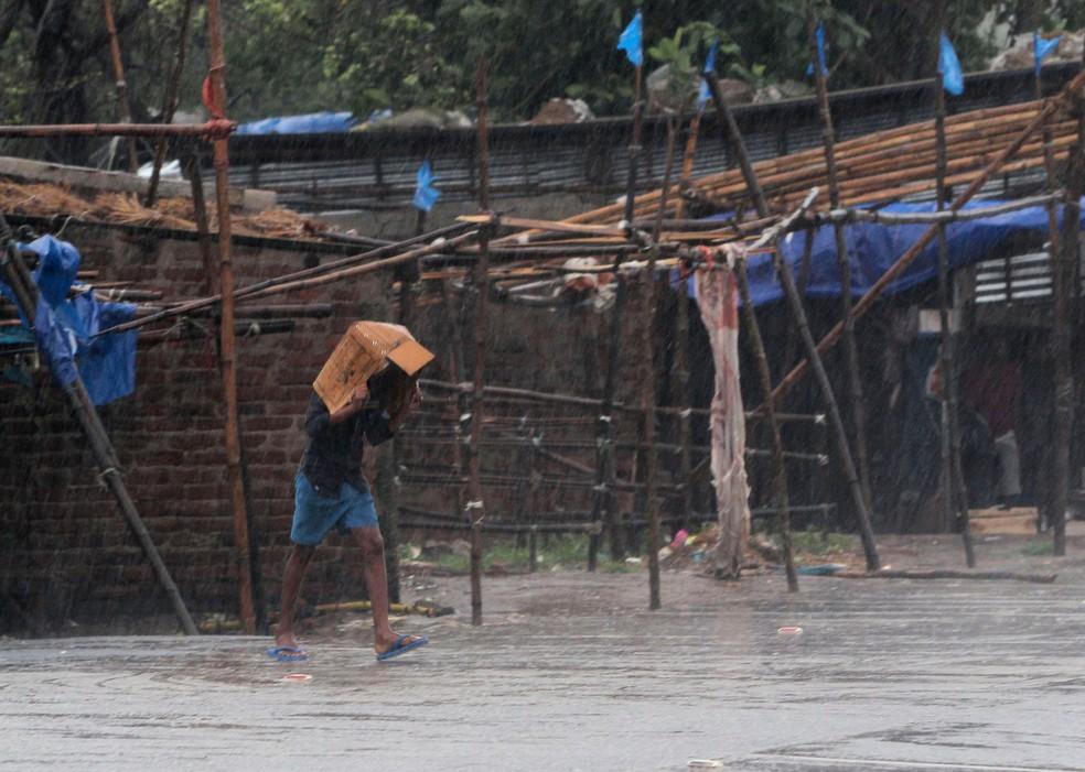 Ciclone Amphan provoca chuvas fortes na Índia | Mundo | G1