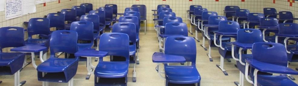 Sala de aula vazia em escola pública de Alagoas — Foto: Valdir Rocha