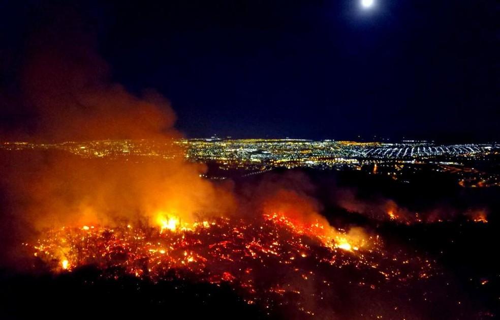 Fogo na região da Serra do Mel — Foto: Eduardo Gomes/Instituto Grande Sertão