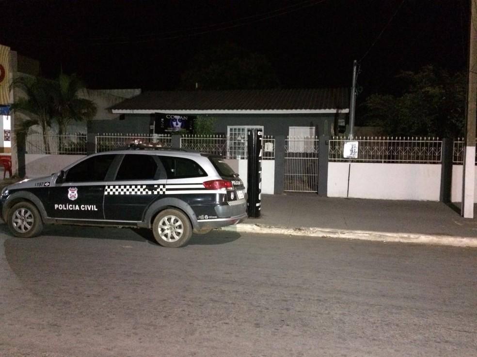 Cliente teria sido imobilizada e estuprada dentro do estúdio (Foto: Márcio Falcão/TVCA)