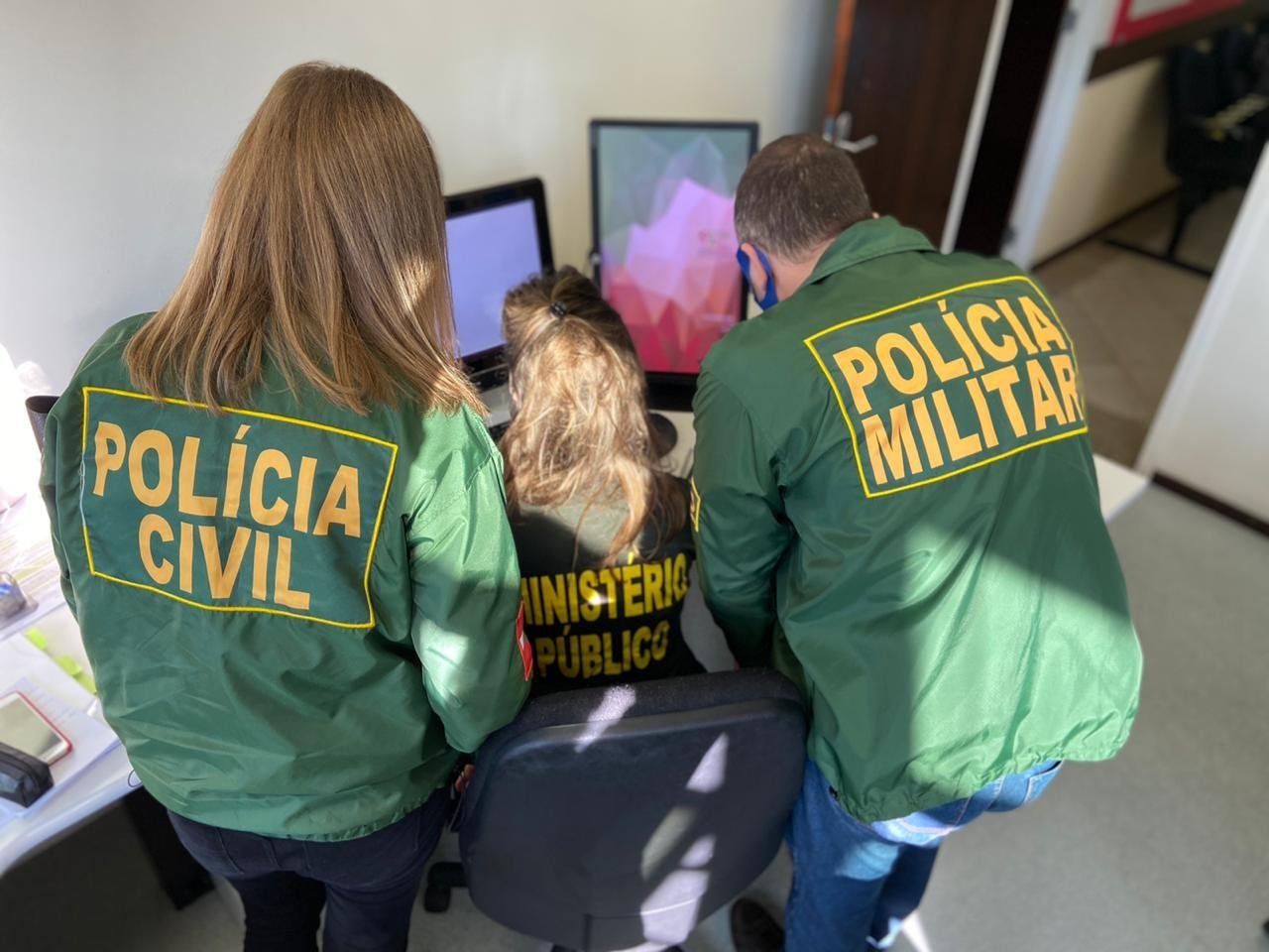 Vereadores de SC são impedidos de entrar na Câmara municipal após operação policial