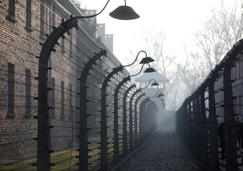 Campo de concentração de Auschwitz, na Polônia, em registro feito nesta segunda-feira (27), data em que se lembra os 75 anos de liberação de seus prisioneiros  — Foto: Kacper Pempel/ Reuters