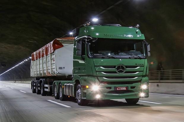 A Nova Actros foi o primeiro veículo a receber uma tecnologia autônoma (Foto: Divulgação)