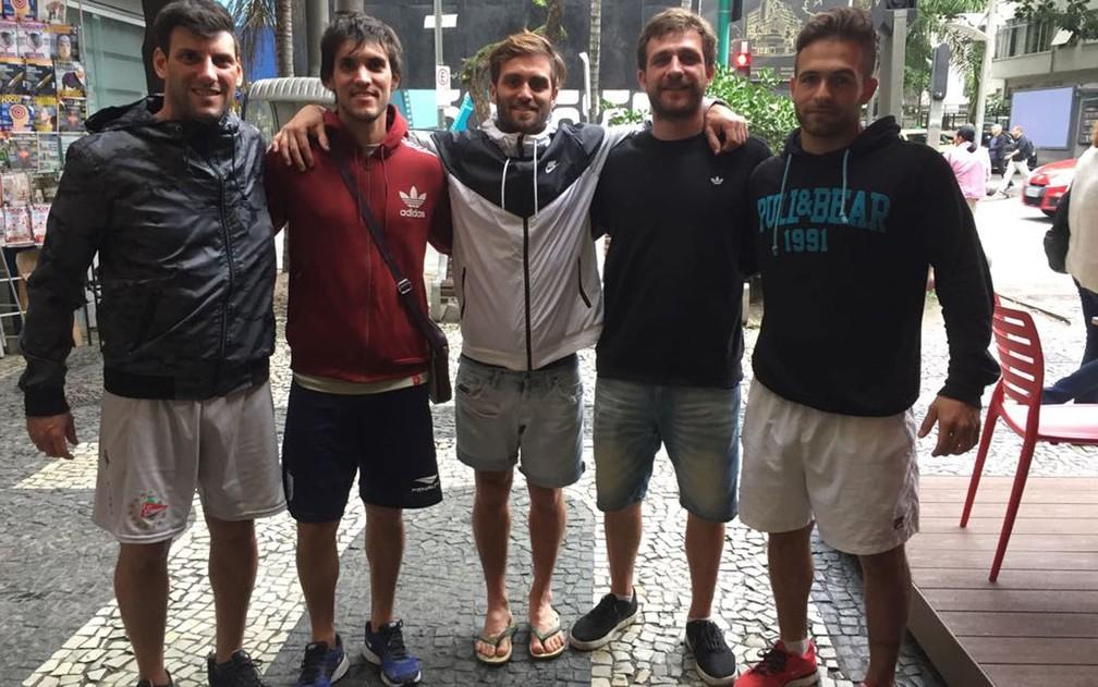 Amigos argentinos vieram ao Rio em busca do sol  (Foto: Káthia Mello/G1)