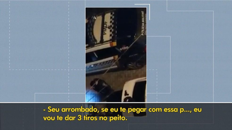 Casal leva tapas e chutes e é ameaçado durante abordagem da PM no DF — Foto: TV Globo/Reprodução