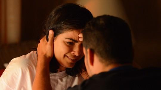 Tóia confessa a Juliano que matou Romero e vai à polícia depor