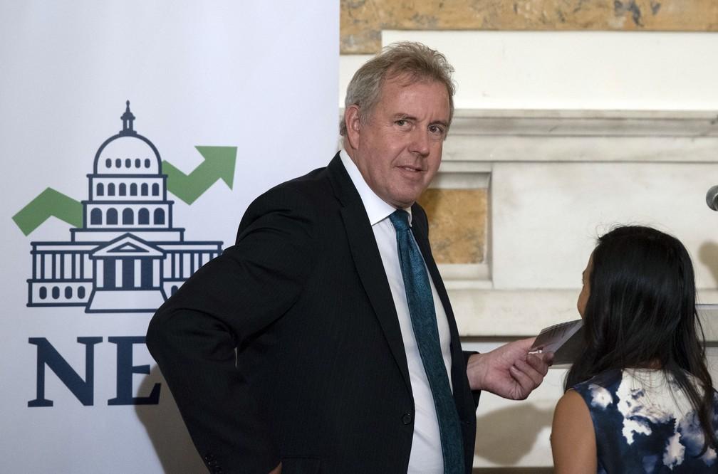 """O embaixador britânico Kim Darroch descreveu, em telegrama, a administração de Trump como """"inepta"""" e """"incompetente"""" — Foto: Sait Serkan Gurbuz / Associated Press"""