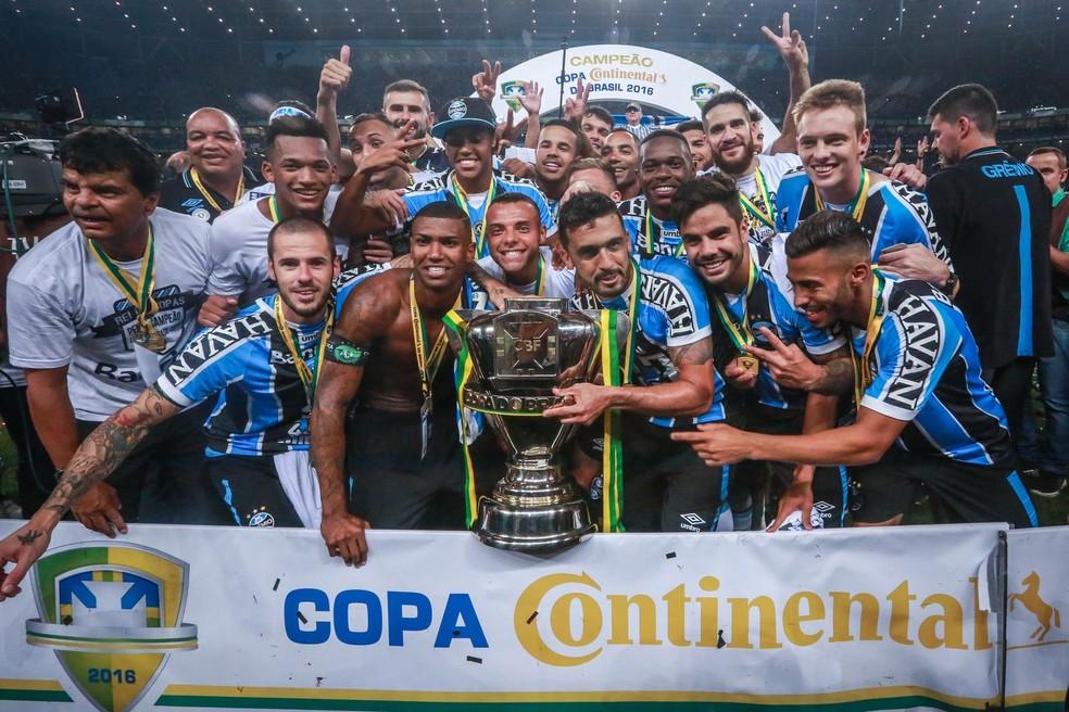 Grêmio deu fim ao jejum de títulos de relevância com a conquista da Copa do Brasil de 2016 — Foto: Jefferson Bernardes/AFP