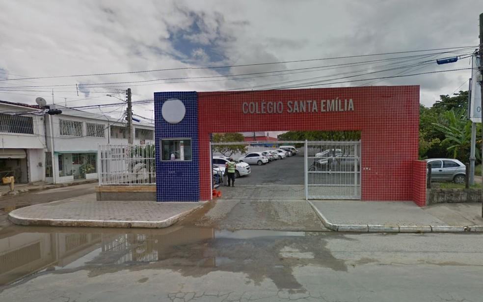 Caso ocorreu em escola no bairro de Jardim Atlântico — Foto: Reprodução/Google Street View