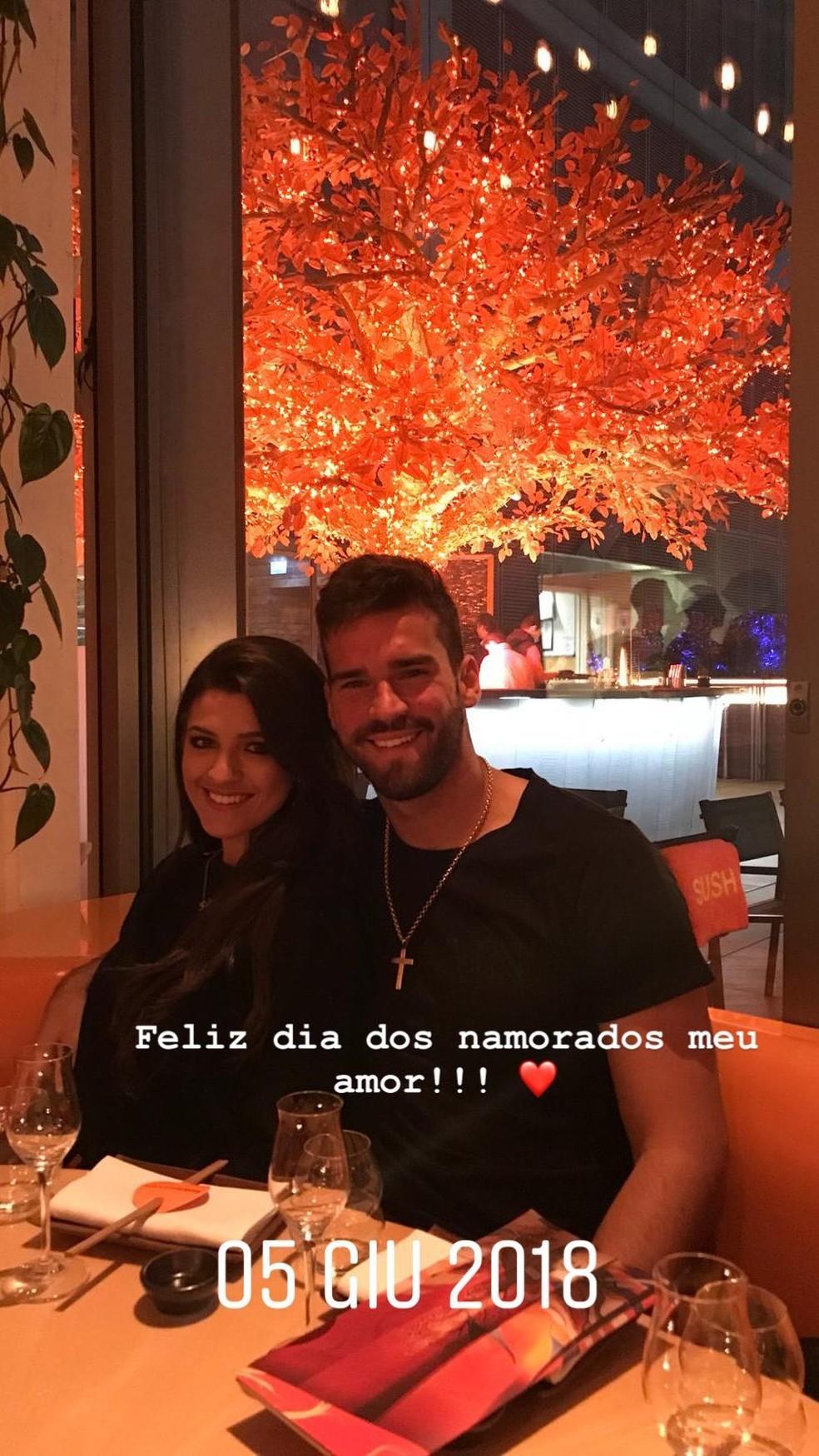 Alisson homenageia namorada nas redes sociais (Foto: Reprodução/Instagram)