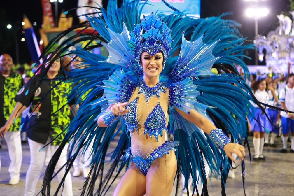 Bianca Andrade é uma das musas da Grande Rio — Foto: Rodrigo Gorosito/G1