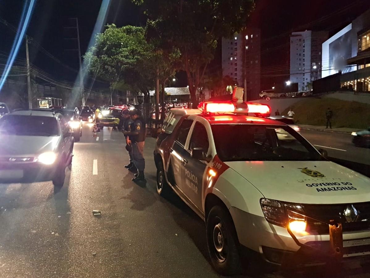 Idosa morre ao ser atropelada por picape na Ponta Negra, em Manaus
