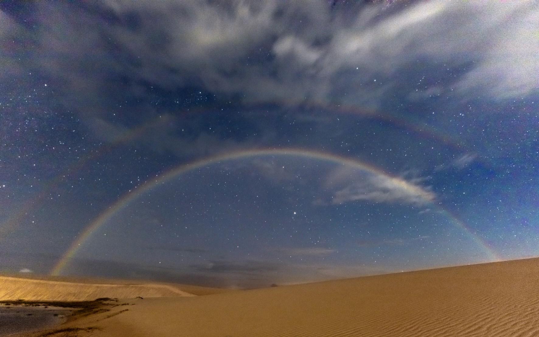 Fotógrafo que sobreviveu a queda de avião na BA faz foto de arco-íris de noite no Maranhão: 'Fenômeno raríssimo', diz especialista