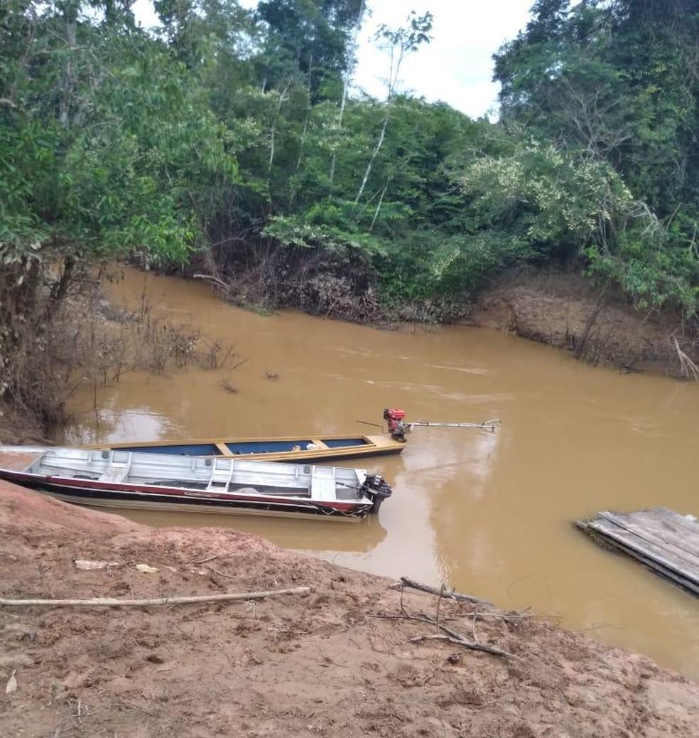 Corpo da vítima foi arrastado por uns 75 metros e jogado no rio, na zona rural do Amazonas — Foto: Arquivo/Polícia Civil