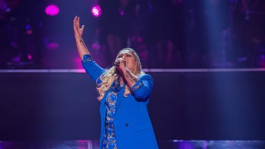 Rebeca Lindsay fala dos filhos e celebra agenda cheia: 'Duplicou o número de shows'