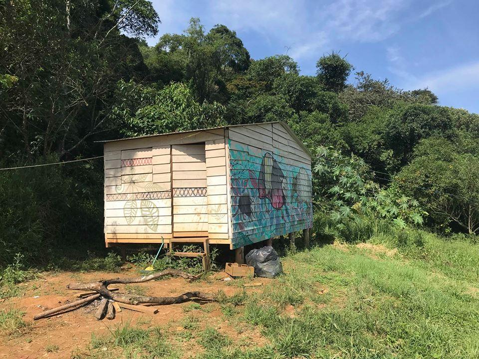 Uma das casas da Aldeia Itakupe, no Pico do Jaraguá, em São Paulo (Foto: Nai)