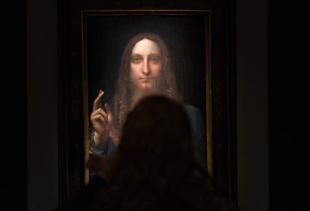 -   Salvator Mundi , de Leonardo da Vinci, é exibida na Christie durante coletiva de imprensa  Foto: Timothy A. Clary/AFP