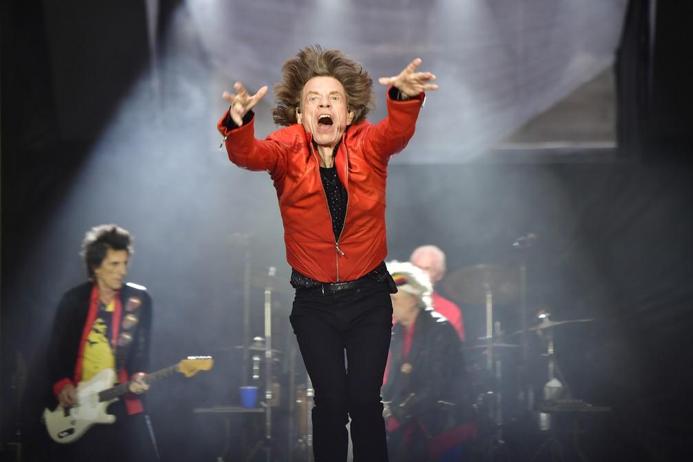 Mick Jagger faz show com os Rolling Stones em Berlim — Foto: Tobias Schwarz/AFP