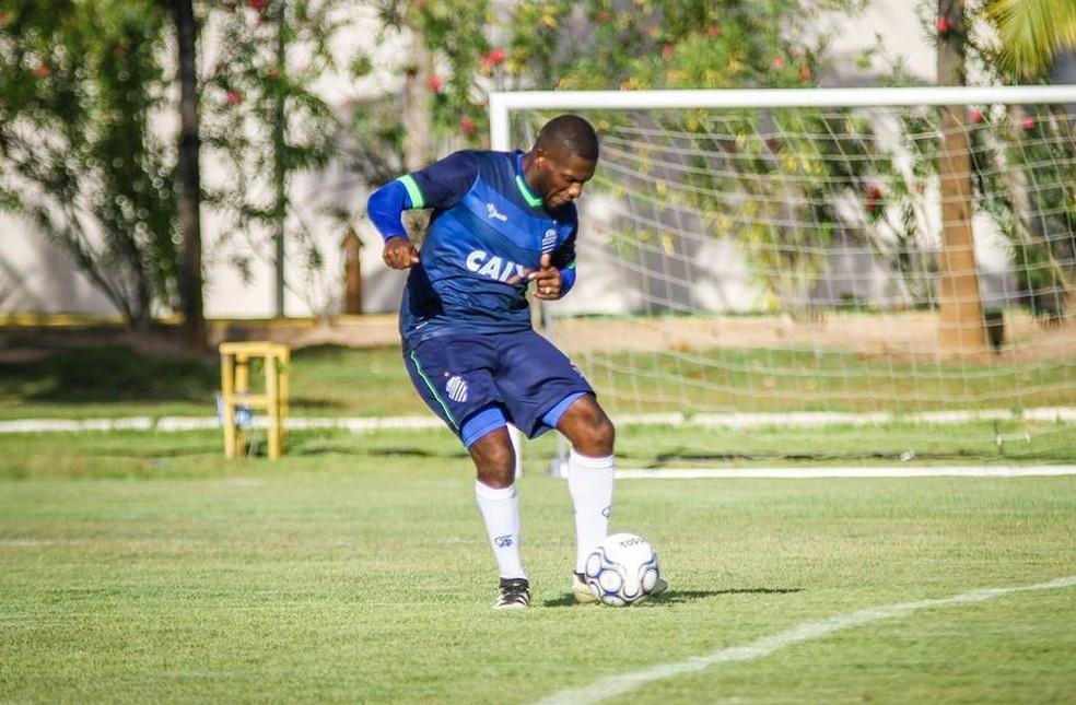 Amaral pouco atuou pelo CSA em 2019, foram apenas seis jogos — Foto: Morgana Oliveira, ASCOM CSA