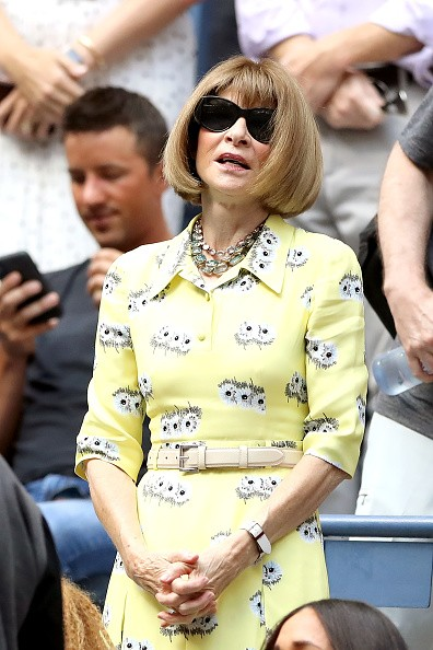 NEW YORK, NEW YORK - SEPTEMBER 07: Anna Wintour looks on before Serena Williams of the United States Bianca Andreescu of Canada during their Women's Singles final match on day thirteen of the 2019 US Open at the USTA Billie Jean King National Tennis Cente (Foto: Getty Images)