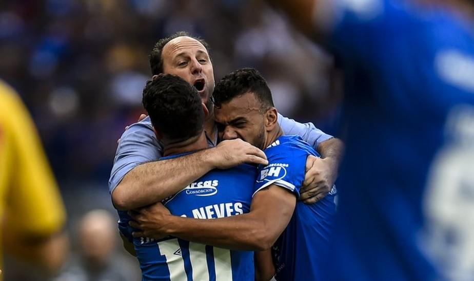 """Melhor após saída de Rogério Ceni, Cruzeiro revê técnico, e """"recepção""""  divide jogadores   cruzeiro   ge"""